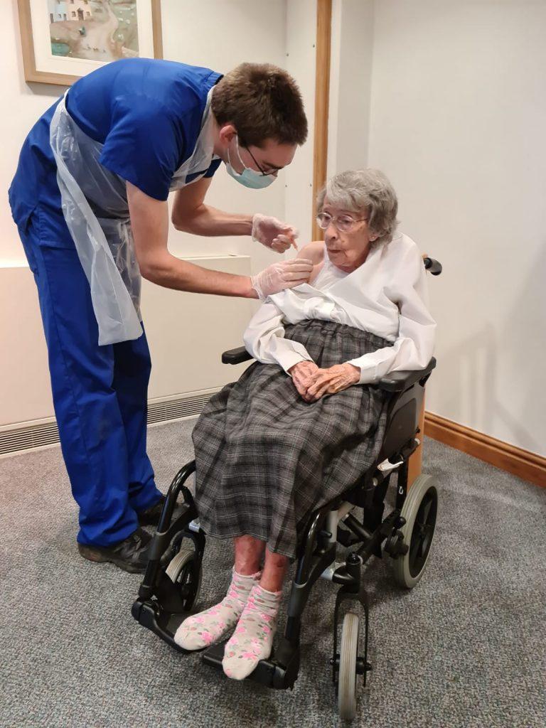 Joyce Green receives her vaccine